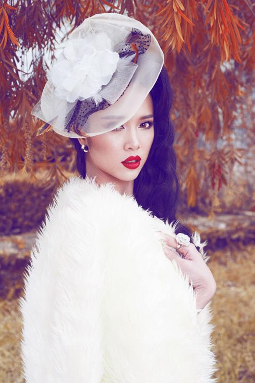 Ngọc Anh khéo khoe đường cong với quần áo mùa đông - 2