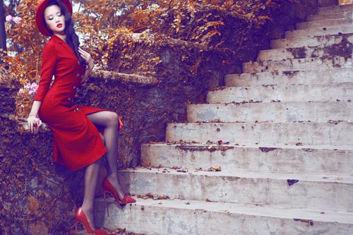 Ngọc Anh khéo khoe đường cong với quần áo mùa đông - 1