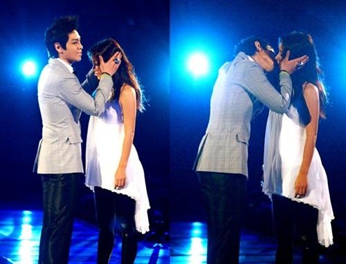 Những nụ hôn bất ngờ của thần tượng Kpop - 3