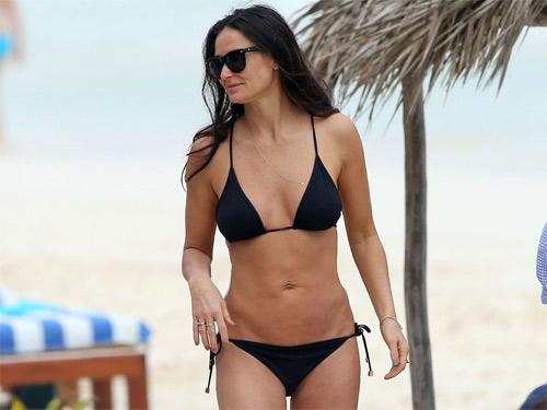 7 mỹ nhân U60 mặc bikini khiến thiếu nữ phải ghen tị - 4