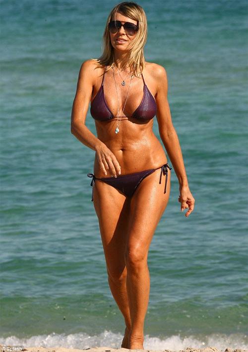 7 mỹ nhân U60 mặc bikini khiến thiếu nữ phải ghen tị - 13