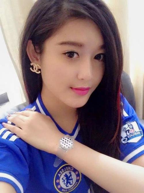 FC Chelsea thế giới bất ngờ đăng ảnh Á Hậu Huyền My - 1