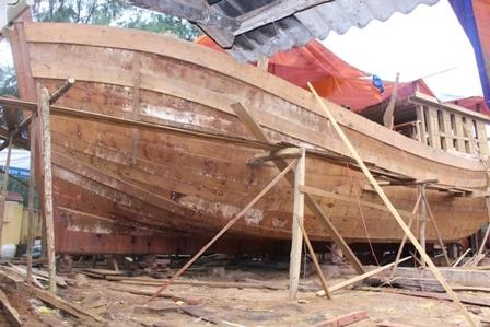 """Ngắm """"tàu 67"""" vỏ gỗ đầu tiên của ngư dân TT-Huế - 11"""