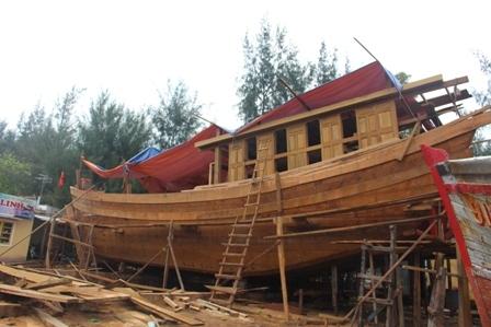 """Ngắm """"tàu 67"""" vỏ gỗ đầu tiên của ngư dân TT-Huế - 2"""