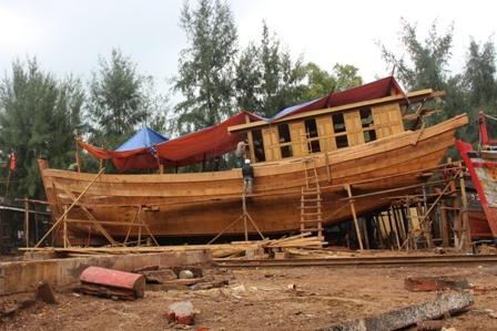 """Ngắm """"tàu 67"""" vỏ gỗ đầu tiên của ngư dân TT-Huế - 3"""