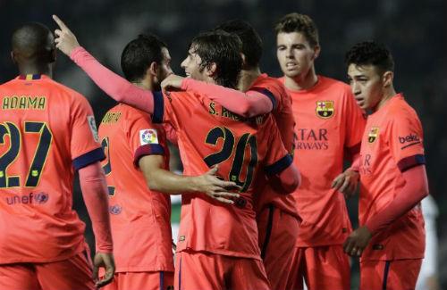 Elche - Barca: Dạo chơi trên Martinez Valero - 1