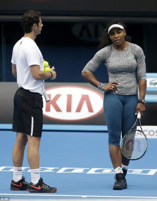 Serena phô diễn nội y trước công chúng ở Australian Open - 2