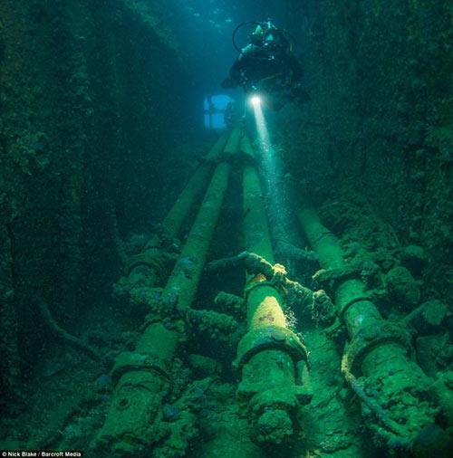 """""""Nghĩa địa"""" máy bay khổng lồ dưới đáy biển ở Nhật - 10"""