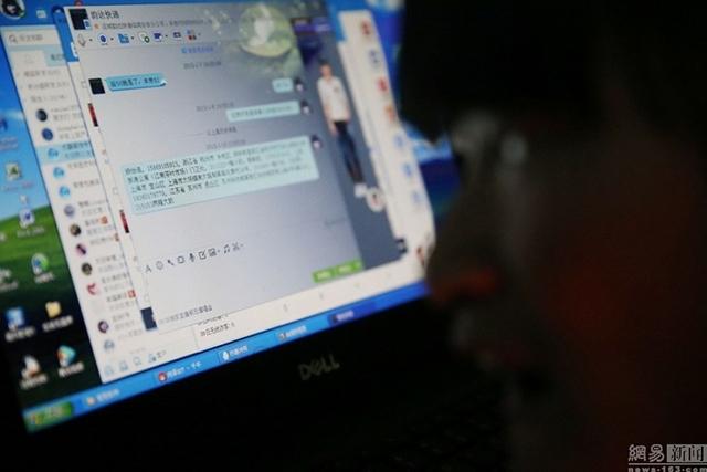 Cô gái tàn tật đánh máy bằng mũi, kinh doanh táo trên mạng - 2