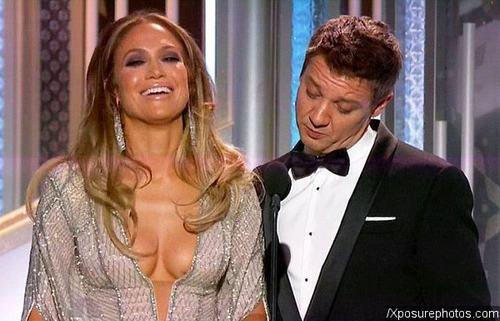 """Jennifer Lopez hớ hênh trước sao """"Biệt đội siêu anh hùng"""" - 1"""
