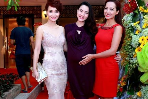 Chị em Mai Thu Huyền lộng lẫy tại tiệc đêm - 3