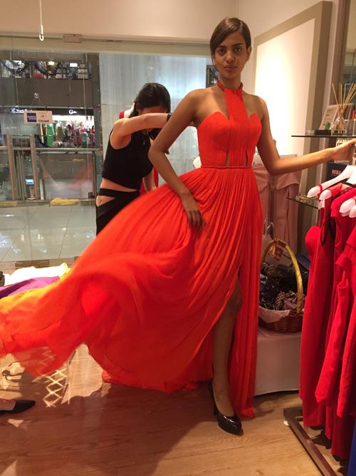Thiết kế Việt xuất hiện tại Hoa hậu Hoàn vũ 2015 - 1
