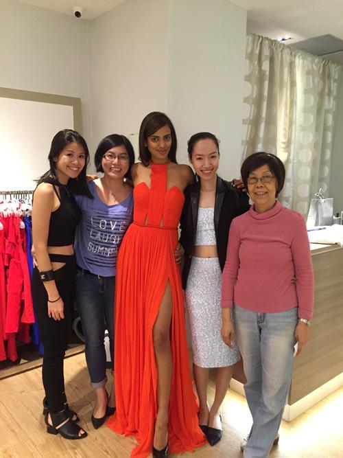 Thiết kế Việt xuất hiện tại Hoa hậu Hoàn vũ 2015 - 9