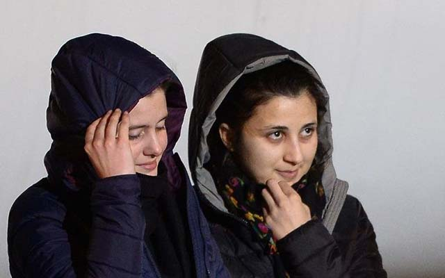Al-Qaeda bất ngờ thả hai nữ con tin Italy - 1
