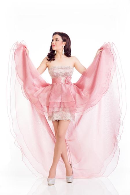 Những bộ váy dạ hội thất bại tại Hoa hậu Hoàn vũ 2015 - 3