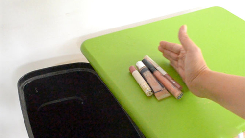 Loại bỏ 4 thói quen xấu làm môi nứt nẻ - 3