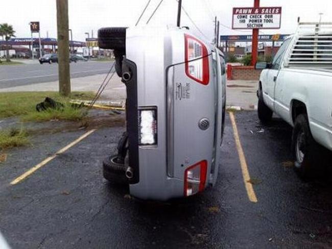 """Cười ngất với những màn đậu xe """"khó đỡ"""" của tài xế - 6"""