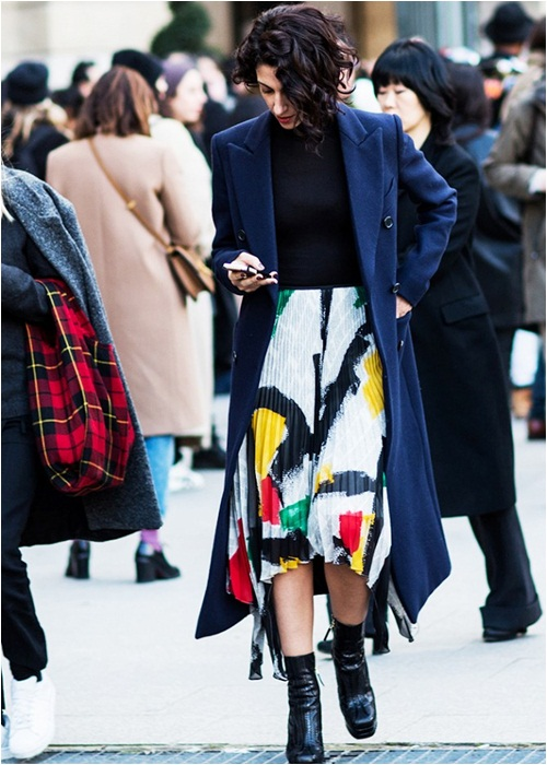 Diện váy midi cho mùa đông thêm quyến rũ - 5