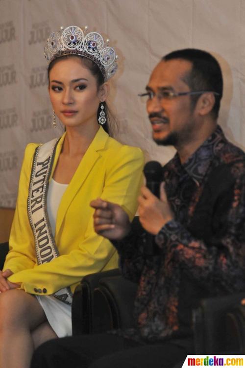 Hoa hậu Indonesia phủ nhận vụ lộ ảnh thân mật - 4