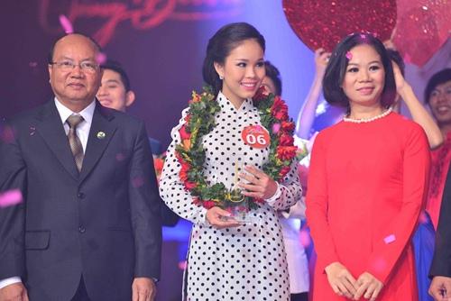 Cô gái Bạc Liêu giành giải thưởng 200 triệu đồng - 1