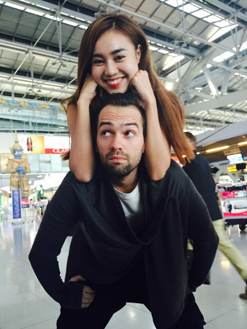 Lan Ngọc tình cảm với bạn nhảy ở Thái Lan - 2