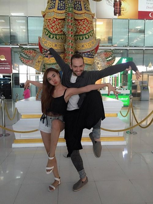 Lan Ngọc tình cảm với bạn nhảy ở Thái Lan - 4