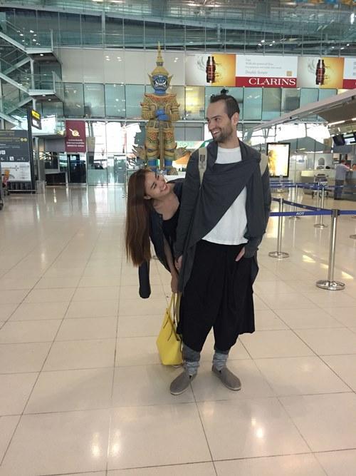 Lan Ngọc tình cảm với bạn nhảy ở Thái Lan - 3