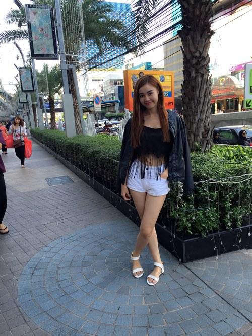Lan Ngọc tình cảm với bạn nhảy ở Thái Lan - 9