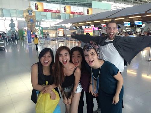 Lan Ngọc tình cảm với bạn nhảy ở Thái Lan - 13