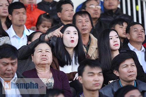 """2 ái nữ xinh đẹp của chủ tịch VFF """"mê"""" Công Phượng - 9"""
