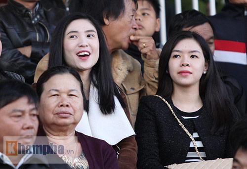 """2 ái nữ xinh đẹp của chủ tịch VFF """"mê"""" Công Phượng - 7"""