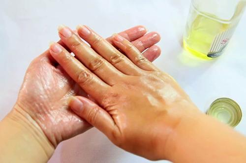 Chăm sóc bàn tay mượt mà trong nháy mắt - 1