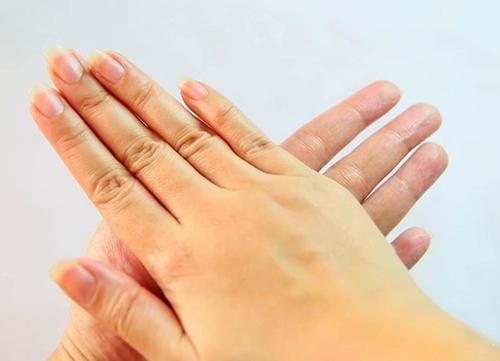Chăm sóc bàn tay mượt mà trong nháy mắt - 6