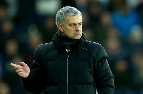 Mourinho ca ngợi Chelsea là đội bóng hoàn hảo - 2