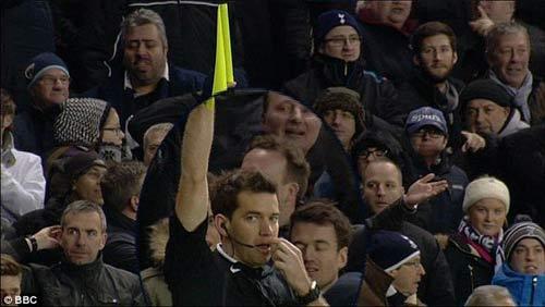 Trọng tài sai lầm tệ hại, Tottenham mất oan bàn thắng - 2