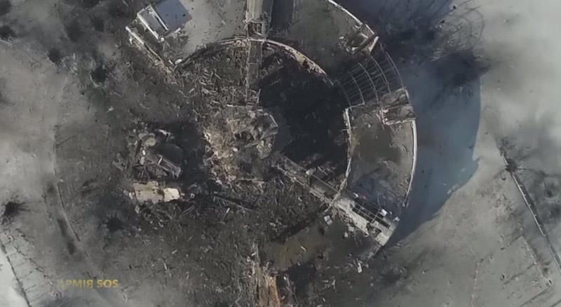 Ukraine: Sân bay Donetsk hoang tàn dưới đạn pháo - 4