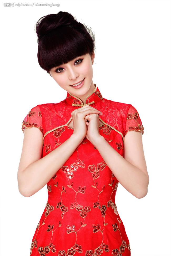 """""""Võ Tắc Thiên"""" Phạm Băng Băng đẹp dịu dàng trong tà áo truyền thống màu đỏ"""