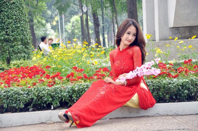 Hoa mai, đào khoe sắc rực rỡ giữa Sài Gòn - 13