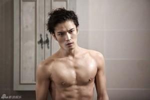 """Tài tử Jae Joong khoe thân hình cực chuẩn trong """"Spy"""""""