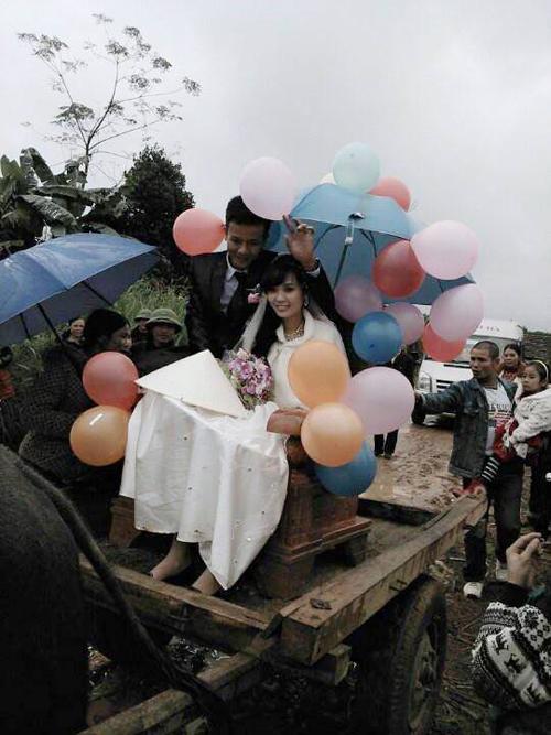 Rước dâu bằng xe trâu gây ấn tượng ở Nghệ An - 6