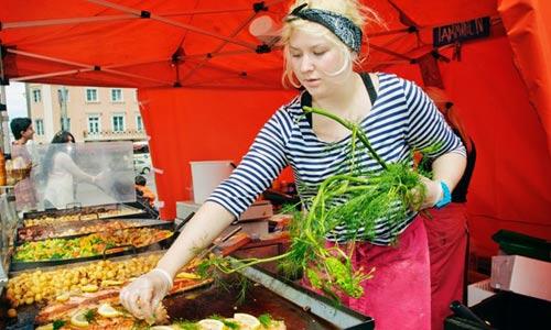 10 khu chợ nổi tiếng châu Âu bạn không nên bỏ qua - 3