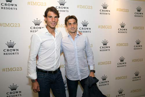 Federer đầy lịch lãm, Bouchard khoe dáng ngọc - 2
