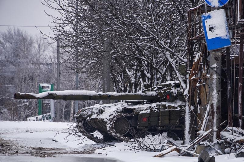 Ukraine: Quân đội dồn hỏa lực tái chiếm sân bay Donetsk - 3
