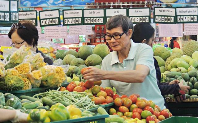 Mở cửa thị trường bán lẻ: Người tiêu dùng được lợi? - 1
