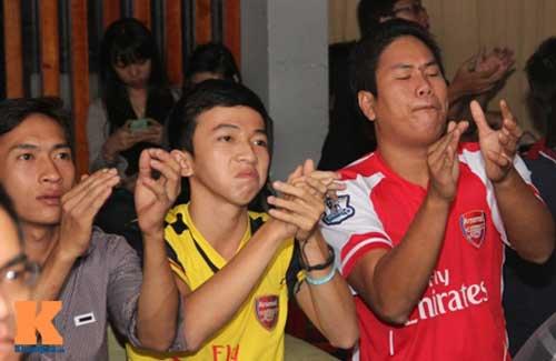 "Fan Arsenal vỡ òa khi ""Pháo thủ"" vùi dập ""Man xanh"" - 8"