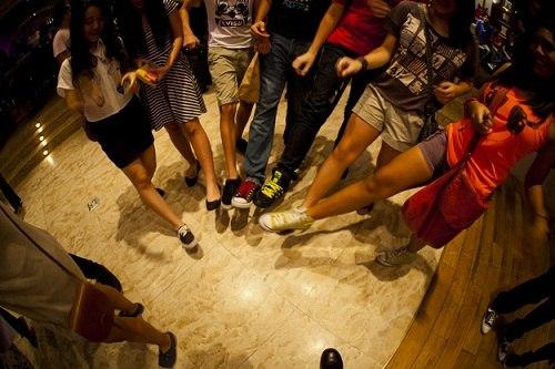 17 truyền thống kỳ lạ trong Lễ mừng năm mới - 1