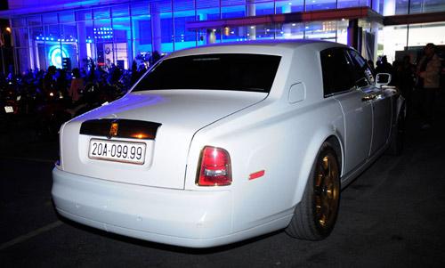 """Cặp đôi Rolls-Royce Phantom biển """"khủng"""", mạ vàng tại Hà Nội - 5"""