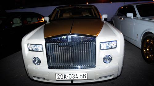 """Cặp đôi Rolls-Royce Phantom biển """"khủng"""", mạ vàng tại Hà Nội - 7"""