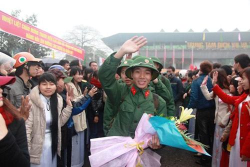 Bộ trưởng Phùng Quang Thanh đề nghị sinh viên ra trường phải nhập ngũ - 1