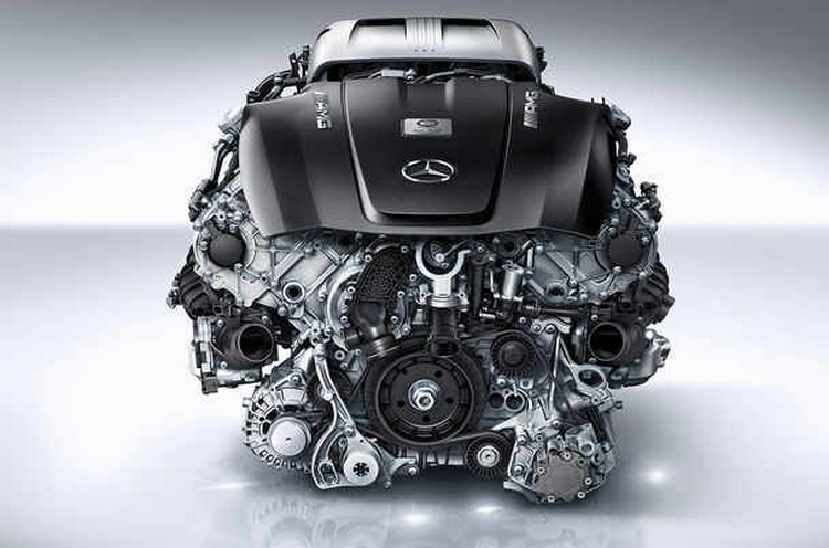 Mercedes thay động cơ mới thách thức Nissan GTR - 5